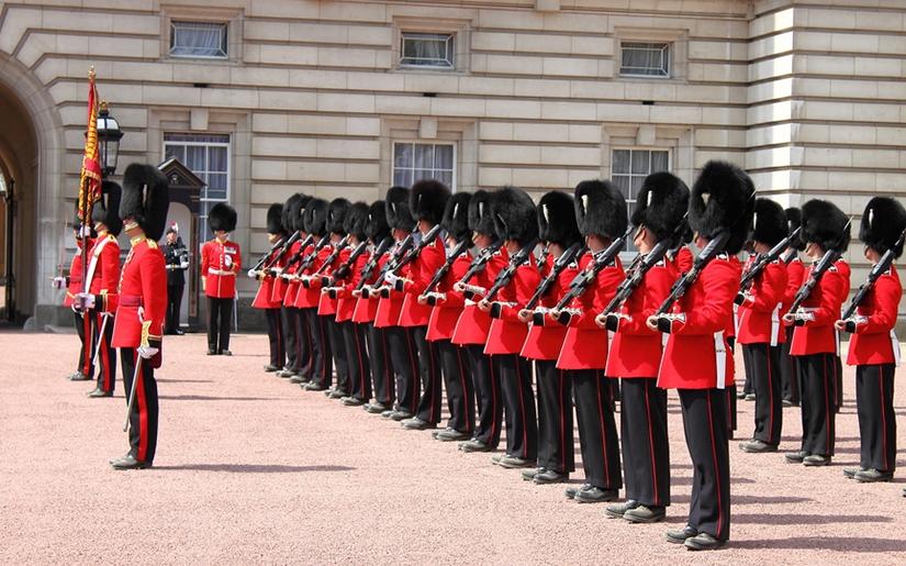 טקס החלפת משמר המלכה בארמון בקינגהם